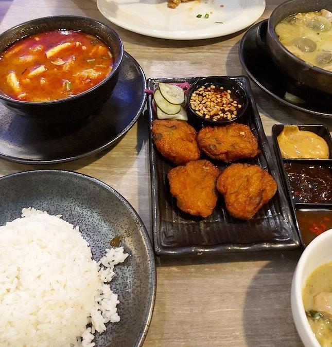 Red Tomyum Soup, Green Curry & Thai Fishcake
