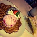 Yummylious Waffles And Apple Crumble!