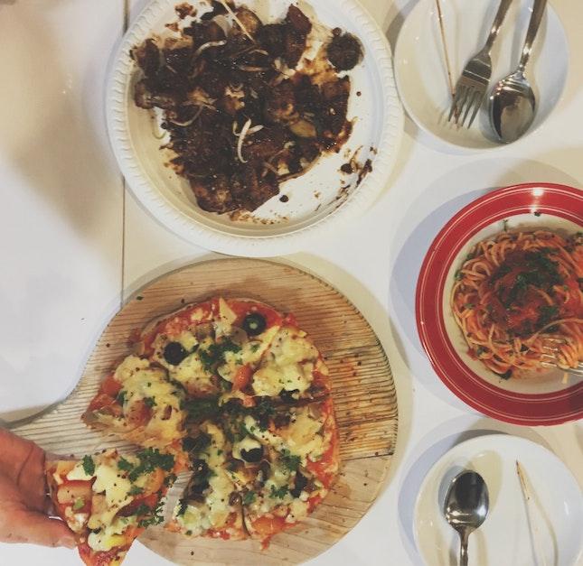 Pizza And Pasta At Hotcakes