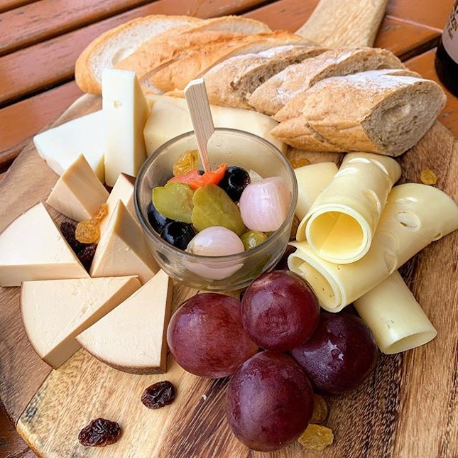 Cheese Platter to pair with the excellent wine.