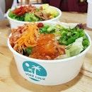Finally got hands on one for one poke bowl ($15.90) thanks to the #entertainerapp  #sgfood #sgfoodie #pokebowl #salmon #salad #sashimi #sgrestaurant #burpple