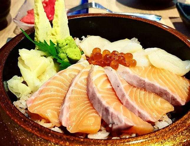 Salmon Hotate Chirashi ($23.80++, before #entertainerapp).