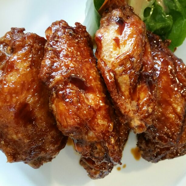 $8 for 6 marmite mid-wings