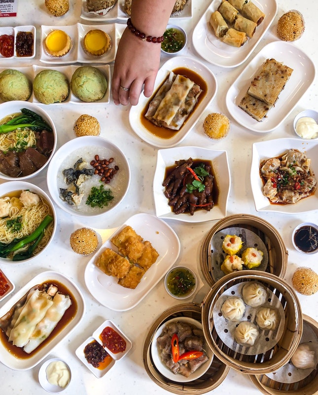 How about some dim sum and alcohol at 2 months old SUM DIM SUM restaurant 😱😋👌🏻