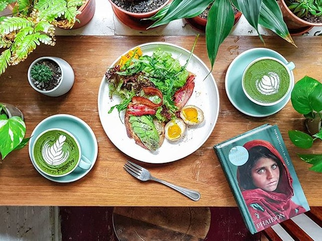 Enjoying my Green Breakfast at this Quaint Cafe in Malacca.