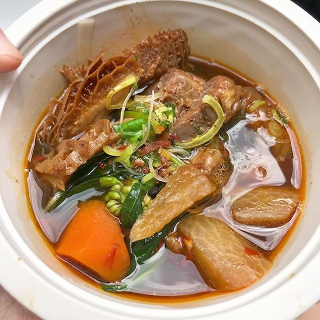 Chef @andrechiang_sg's Taiwan beef noodles are mindblowingly phenomenal.