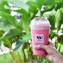 Crazy hot and humid days like these call for drinks like #waancha's Thai Pink Milk!