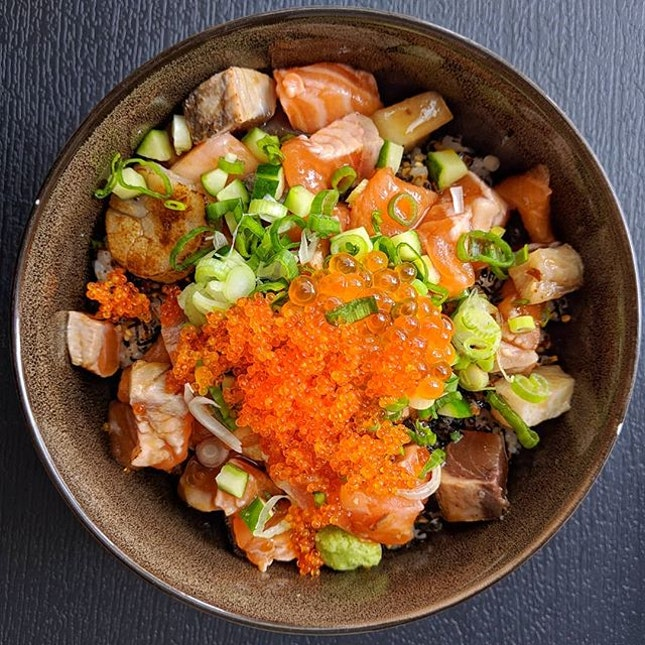 Explodingbelly says, in order to 年年有余, you need to eat more chirashi don.