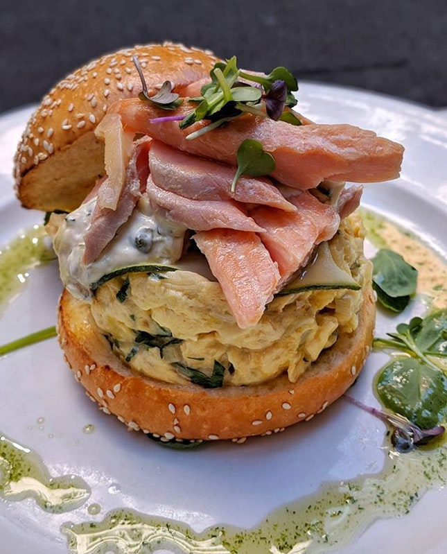 When the menu stated Scrambled Eggs (AUD 21, S$21.85), I definitely was not expecting it to be presented in this gorgeous burger form, served with some thick slices of home cured salmon.