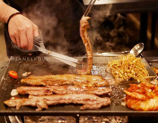 Sizzling dizzying aroma of meat everywhere.