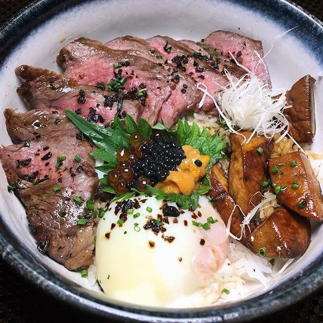 Fatcow Premium Donburi (sliced wagyu steak on rice, uni, caviar, foie gras, onsen egg) from Fat Cow.