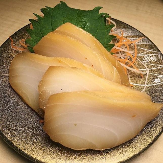Shiro Maguro (white tuna), a seasonal item at Ryoshi Sushi Ikeikemaru, a reliable sushi concept within the Liang Court basement.
