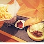 &MADE Burger Bistro (Pacific Plaza)