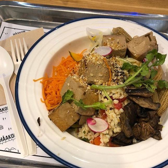 Another day, another Haakon Salad 🥗  #burpple #burpplesg #healthlyeating #diet #salad #yummysalad
