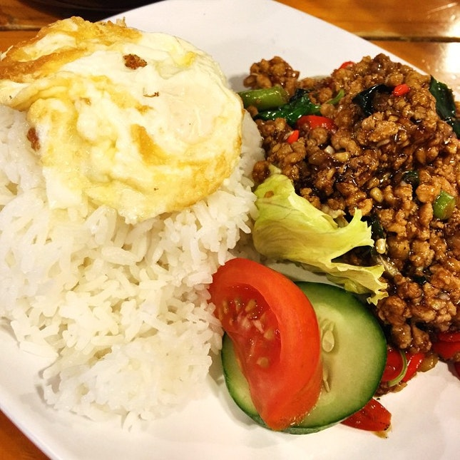 Minced pork Thai basil rice set.