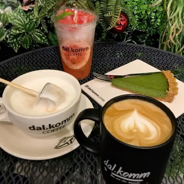 Eat Out | Dal.Komm Coffee .