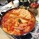 부대찌개 (Army Stew) Small $20+ (Additional Ramen $5+)
