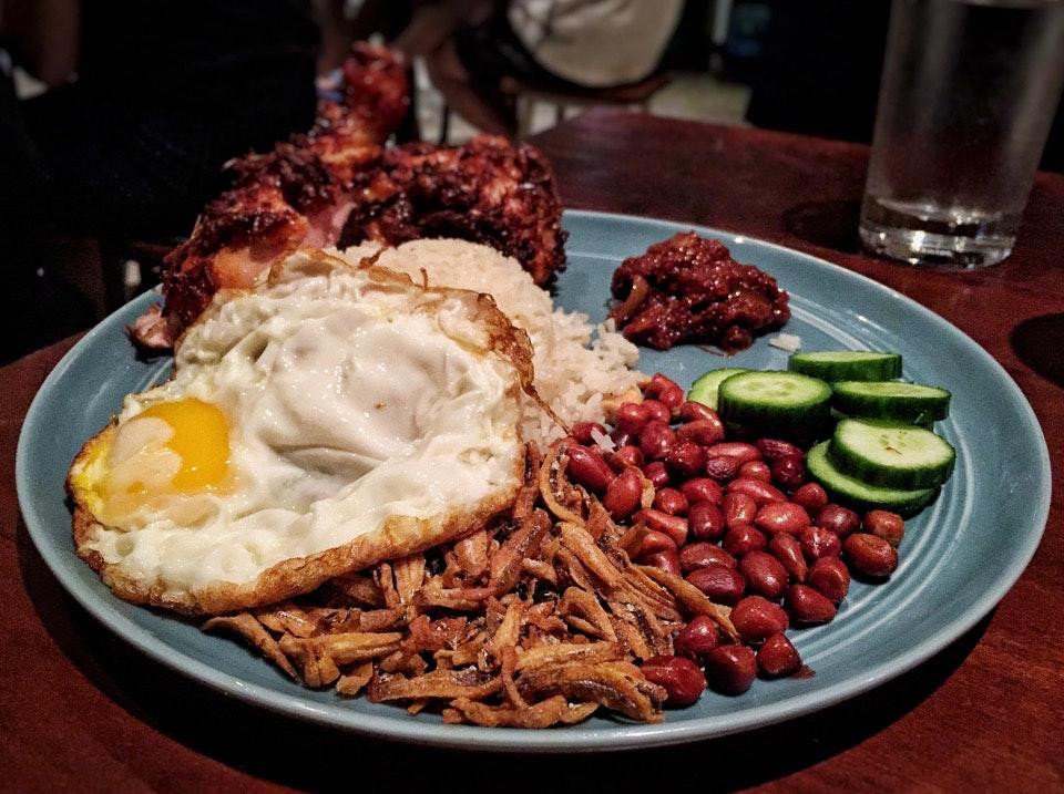 Nasi Lemak Ayam Goreng Berempah ($12.80)