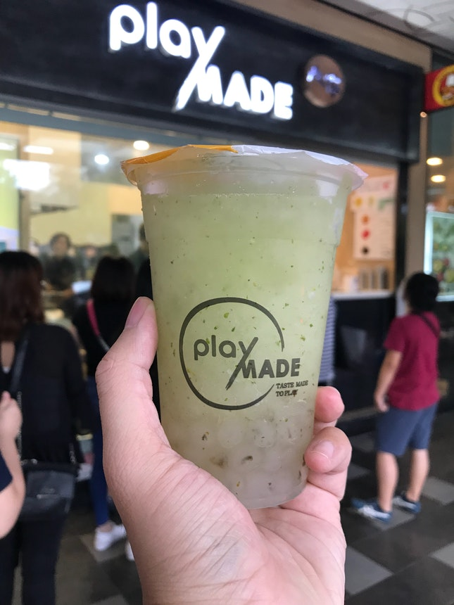 Mojito Ice Blended With Mojito Pearls ($5.10)