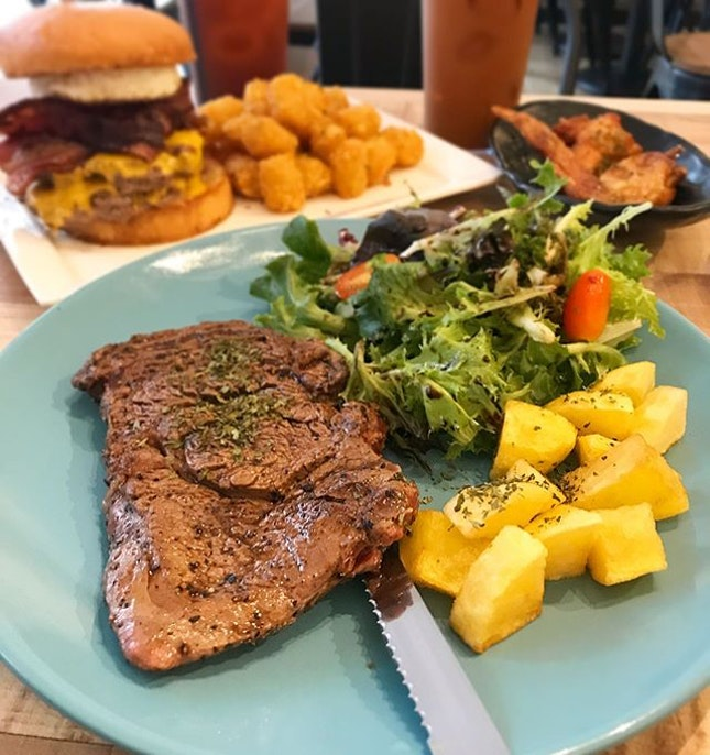 Farm Breed Ribeye Steak ($17) & The Boss Burger ($19)  Never go on a diet because skipping dinner will be a huge missed steak 😛  The food at this quiet, little cafe is pretty good, considering the price and portion served.