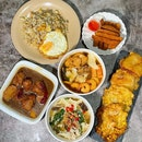 Mee Hoon Kueh, Fried Sticky Cake (炸年糕) and Salted Egg Fried Rice