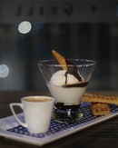 Need this Mocha Affogato to combat the heat and Monday blues ☕️☕️☕️.