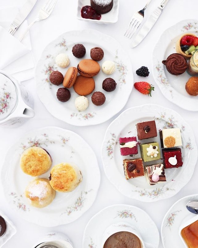Missing this Chocolate Divine English Afternoon Tea at L'Espresso at Goodwood Park Hotel.