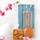 Besides Li Bai's classic offerings such as White Lotus Seed Paste with Double Egg Yolk, White Lotus Seed Paste with Single Egg Yolk, White Lotus Seed Paste, new this year is the Super Seeds Mixed Nuts mooncake.