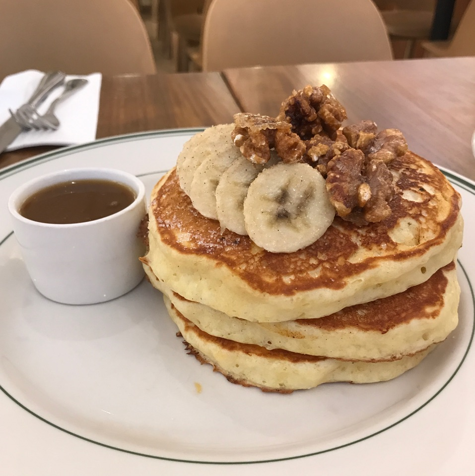 Banana Walnut Pancakes With Maple Butter