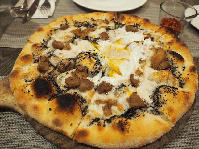Pizza con Crema de Tartufo [$34]