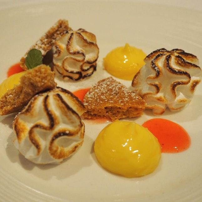 Almost a lemon and meringue tart