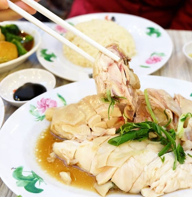 A new spot for Westies to satisfy their chicken rice cravings,the famed WeeNam Ke's latest outlet at Jurong Point stillsees a sizable dinner crowd daily.