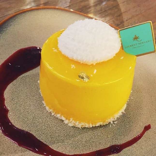 Laurent cafe is the hidden spot in the heart of orchard area with various selection of cakes, chocolates and main courses.