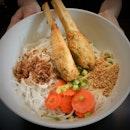 Sugarcane prawn with dry vermicelli.
