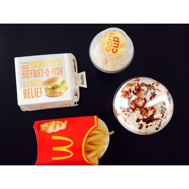 Awesomeness by awesome 1  #mcdelivery #food #doublefillet #nachos #mochafrappe #cupcorn #goldenfries #awesomeness