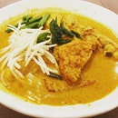 Chicken Curry Noodles  Enjoy the reminiscence of the yesteryears as you savor this curry chicken noodles that is both aromatic and scrumptious with a nostalgic taste.