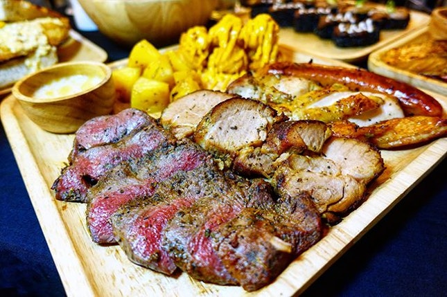 Celebrate the festive season with the meat platter @meatmarket.sg in Hougang One  Different Month, Different Wood, Different Taste Conceptualised by Chef Derrick, the wood grillled meats are undoubtedly the signature items in this 2 months old restaurant located in the heartlands.