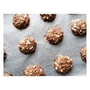 Oatmeal banana cookies These are made of bananas, rolled oats and Choco chips (optional) and only have 70-90 calories each!
