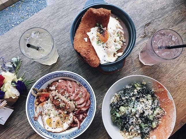 Japanese curry & catfish claypot ($20), Duck & Duck ($26), Aburi broccoli salad ($13), peach lemonade and raspberry lemonade ($6 each) 😋