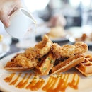 Starting your day right with chicken and waffles at @lavosingapore !