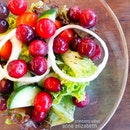 19.12.2015 I'm not a salad person but this Cristmassy cranberry salad is definitely a must-try!