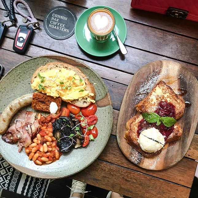 Breakfast served all day : Common Man Full Breakfast [S$26] Free range eggs done in your way, bacon, sausage, tomato salsa, chorizo hash, mushrooms & pork cannellini beans with artisanal sourdough toast & Fluffy Brioche French Toast [S$18] with berry compote, premium maple syrup and Kapiti vanilla ice cream.