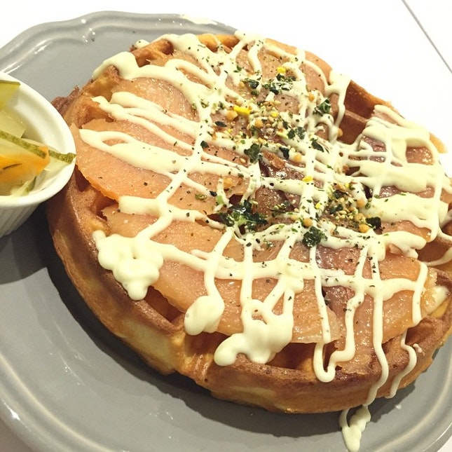 Smoked salmon with cheese waffles!