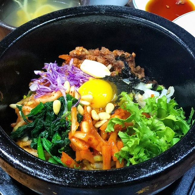 One of the popular bibimbap in Seoul, and most would order their Jeonju Gopdol Bibimbap (10,000 Won).