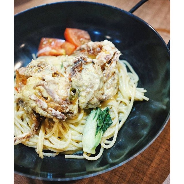 Nursing some mad cravings for this {Salted Egg Yolk Crab Spaghetti} right now...