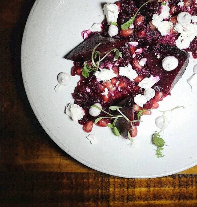 Shining the spotlight on ::Beetroot:: is this dish from @mooseheadkitchenbar 👆 || served with spicy ponzu, infused	with	 chilli	padi,	pomegranate,	 chunks of feta cheese, dollops of	sumac	yoghurt with the crunch of crushed	 almonds and spicy	salad cress for contrast to the wildly earthy mix  Definitely one of my favourite dishes at moosehead.