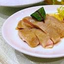 An excellent rendition of drunken chicken at #fengshuiinn :) #drunkenchicken #shaoxingwine #dimsumbuffet #dimsum #sg50 #sgfood #foodsg #foodporn #burpple