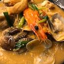 Hidden Seafood Noodle Find!
