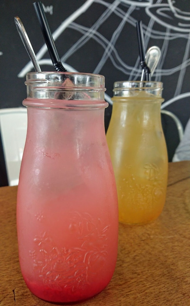 Raspberry Lemonade & Yuzu Chrysanthemum Tea