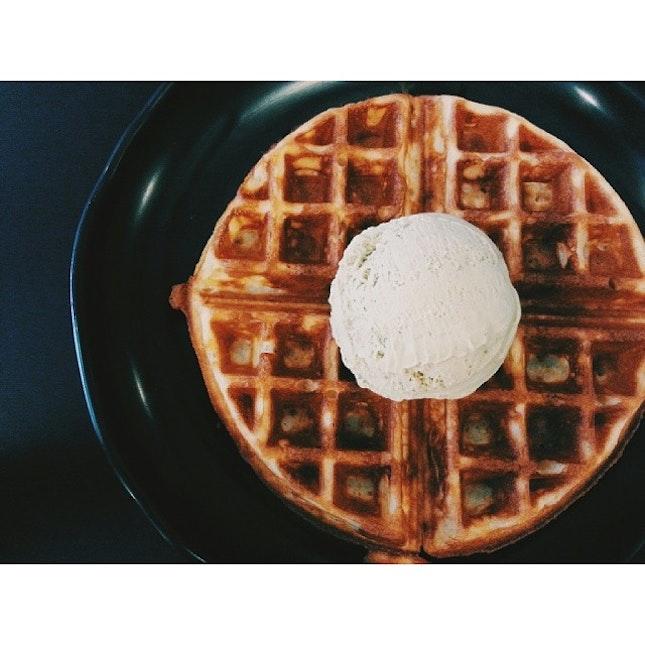 👍 Pistachio Ice Cream 👍 Waffle